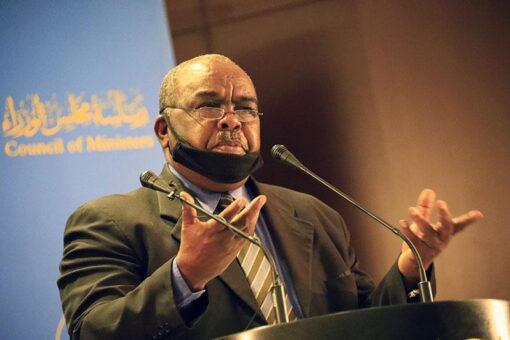 وزير التجارة يصدر قرارات لإعادة هيكلة وتفعيل التعاونيات