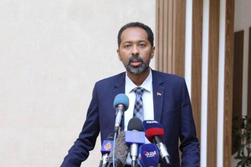 خالد عمر: يوجه ثلاث رسائل لقوى الثورة والمؤسسة العسكرية والخارج
