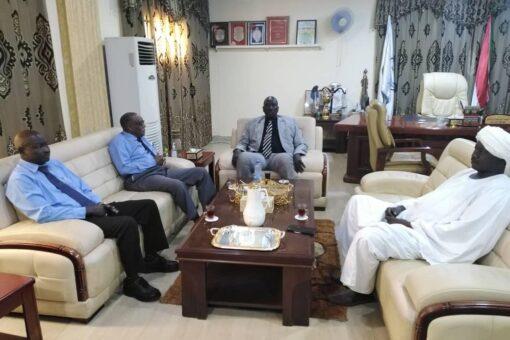 حاكم النيل الأزرق يقف على تحديات التمويل الزراعي بالإقليم