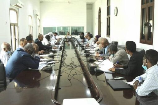 وزير شؤون مجلس الوزراء يرأس اجتماع الغرفة المركزية للسلع الاستراتيجية