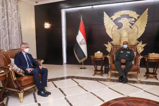 البرهان يؤكد اهمية التعاون مع الأمم المتحدة لإنجاح التحول الديمقراطي