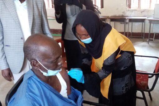 تدشين حملة التطعيم الثانية ضد كورونا بوسط دارفور