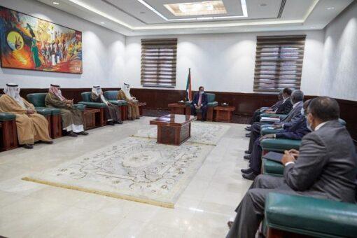 حمدوك يستقبل وفد الاستثمار السعودي ويشيد بالعلاقات بين البلدين