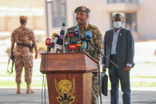 البرهان وودقلو: وحدة القوات النظامية هي الضمان لتماسك السودان