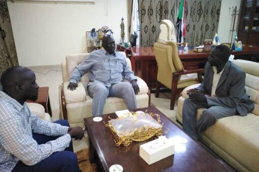 حاكم النيل الأزرق يطلع على ترتيبات تدشين مشروع التعداد السكاني