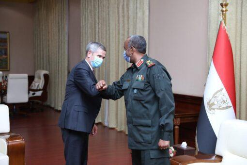 رئيس مجلس السيادة يلتقي مدير مكتب أفريقيا جنوب الصحراء والساحل