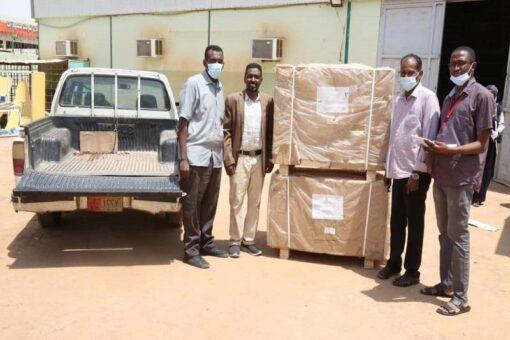 الصحة الخرطوم تسلم اجهزة حضانات لعدد من المستشفيات