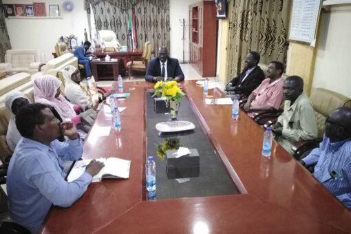 حاكم النيل الأزرق يقف على ترتيبات استقبال قافلة المفوضية الاتحادية