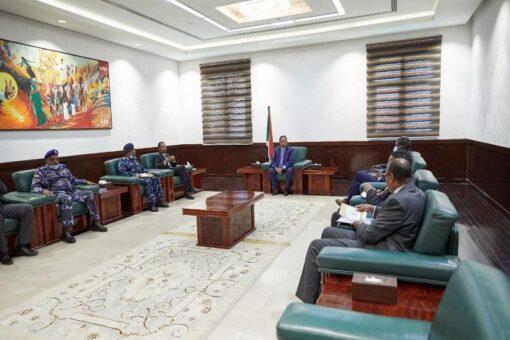 حمدوك يرأَس الاجتماع الدوري بشأن الوضع الأمني بالبلاد