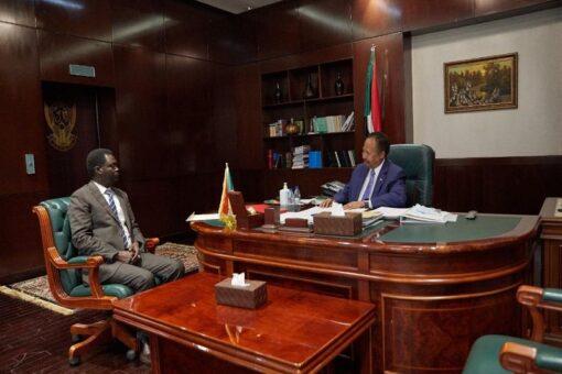 حمدوك ومناوي يبحثان الوضع السياسي الراهن بإقليم دارفور