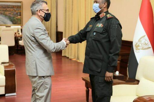 رئيس مجلس السيادة الإنتقالي يلتقي رئيس بعثة يونيتامس