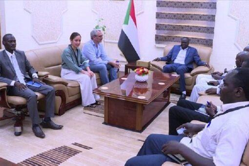 تاور يلتقي مدير برنامج السودان بمنظمة بروميد ياسيون الفرنسية