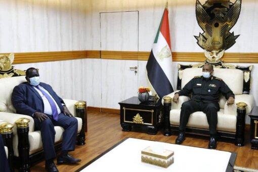 البرهان يسلم قلواك دعوة رسمية لسلفاكير لزيارة السودان