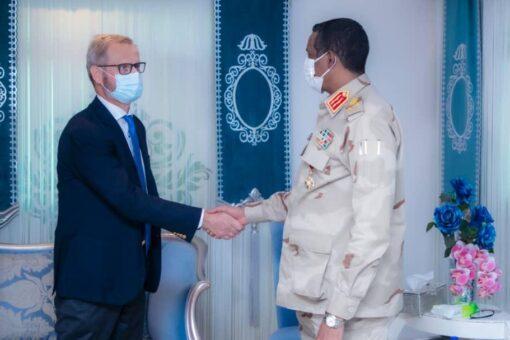 النائب الأول لرئيس مجلس السيادة يلتقي المبعوث النرويجي للسودان