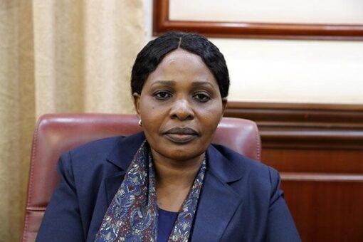 بثينة دينار:الوزارة تهدفلإكمال مشاركة المرأة بنسبة 40% في الحكم