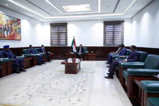د. حمدوك يرأس الاجتماع الدوري بشأن الوضع الأمني بالبلاد