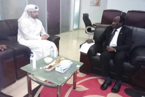 وزير الاستثمار يبحث مع شركة السامرية القطرية فرص الاستثمار بالسودان