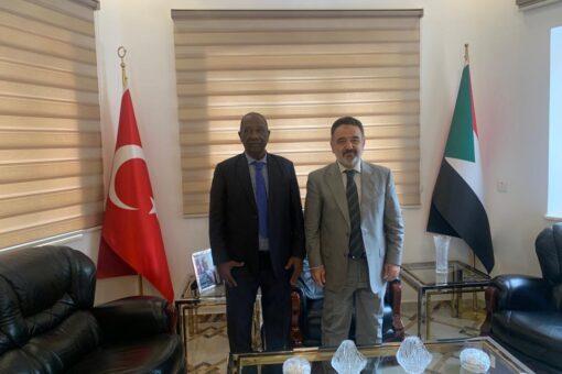 محافظ مشروع الجزيرةيبحث مع سفير تركيا انفاذ برامج التحول الزراعي