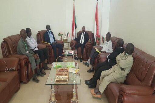 وزير الثروة يلتقي بمديري إدارات الثروة الحيوانية بقطاع ولايات دارفور