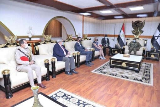 البرهان يؤكد حرص القوات المسلحة والمكون المدني على إنجاح الفترةالانتقالية